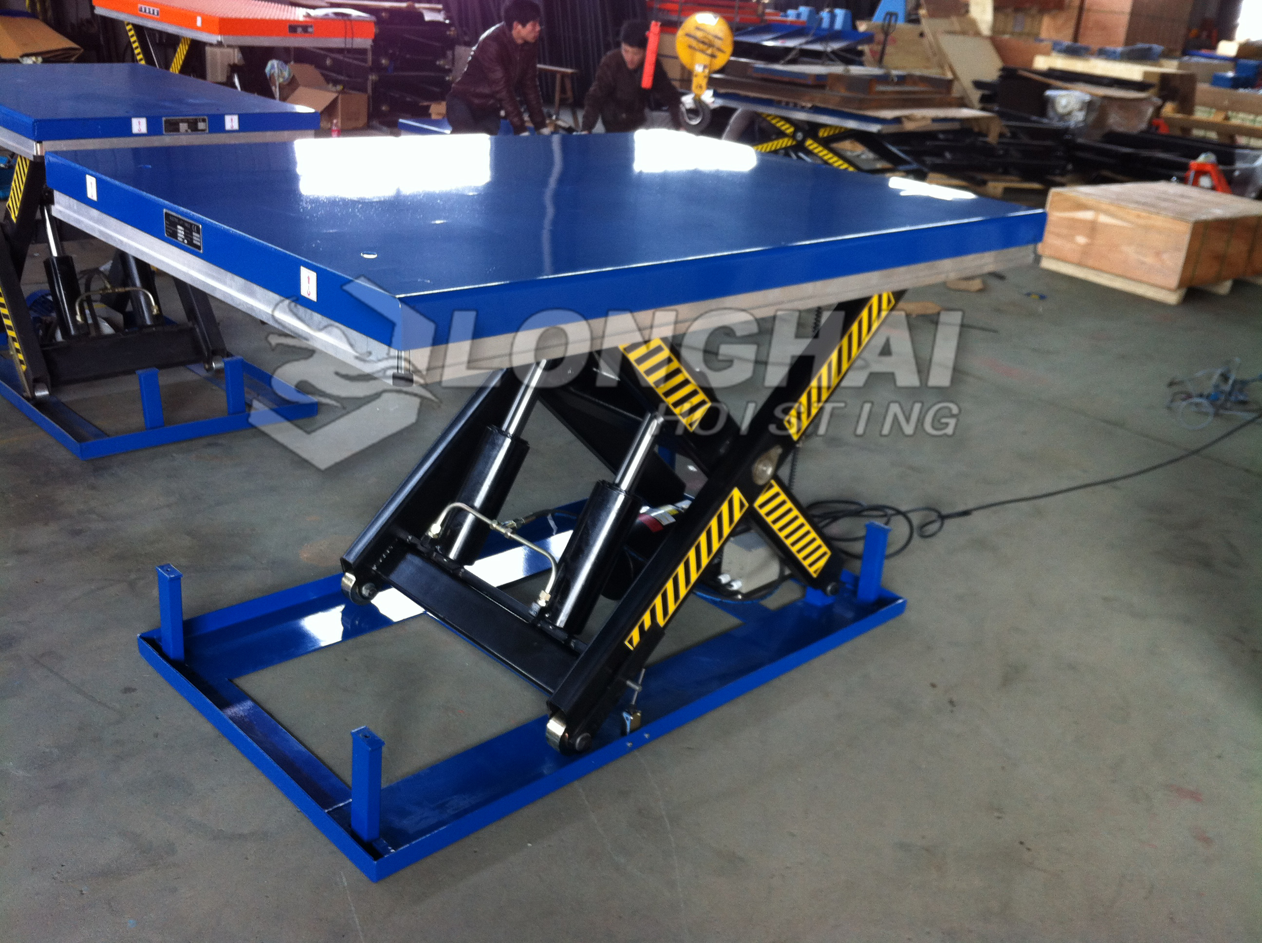 the blue Electric Hydraulic Scissor Lift Table
